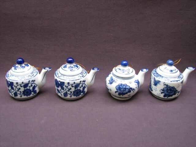4 Chinese Blue White Porcelain Hanging Teapot Ornaments Floral Scroll Butterfly