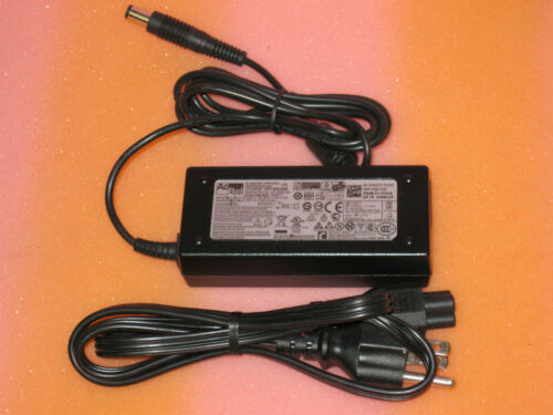 W9C1P w//cable NEW Dell OEM Dell Inspiron 300 400 19V 65W AC Power Adapter