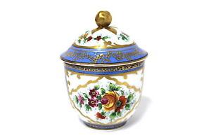 Sevres-Zuckerdose-wohl-1753-Porzellan