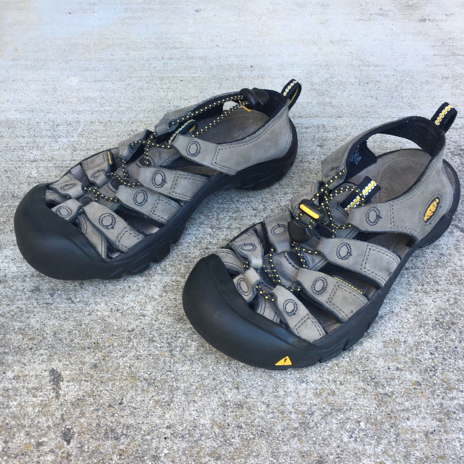 5d11e6e2898 KEEN Gray Leather Athletic Sports Sports Sports Sandals Hiking ...