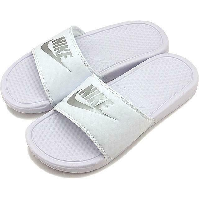 Size 9 Women's Nike Benassi JDI Swoosh