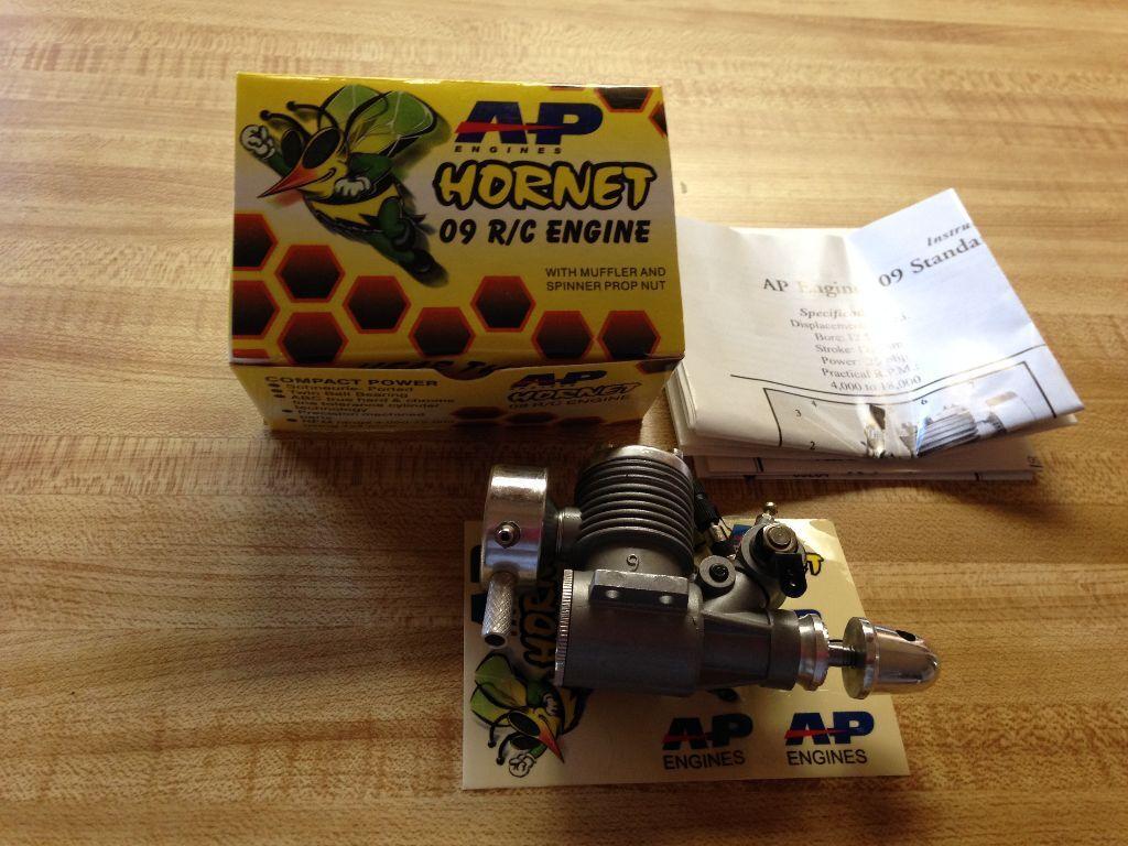 Ritorno di 10 giorni Nuovo AP Engines C L or R C C C Hornet .09 Engine (Cox - Norvel - OS Alternative)  prendiamo i clienti come nostro dio