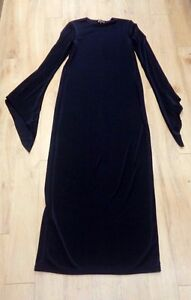 Arena-Gothic-Straight-Dress-M-Point-Sleeves-1004