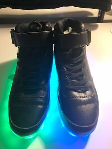 LED-Light-Up-High-Top-All-Black-Shoes-Size-8-Charger-For-Shoes-Included