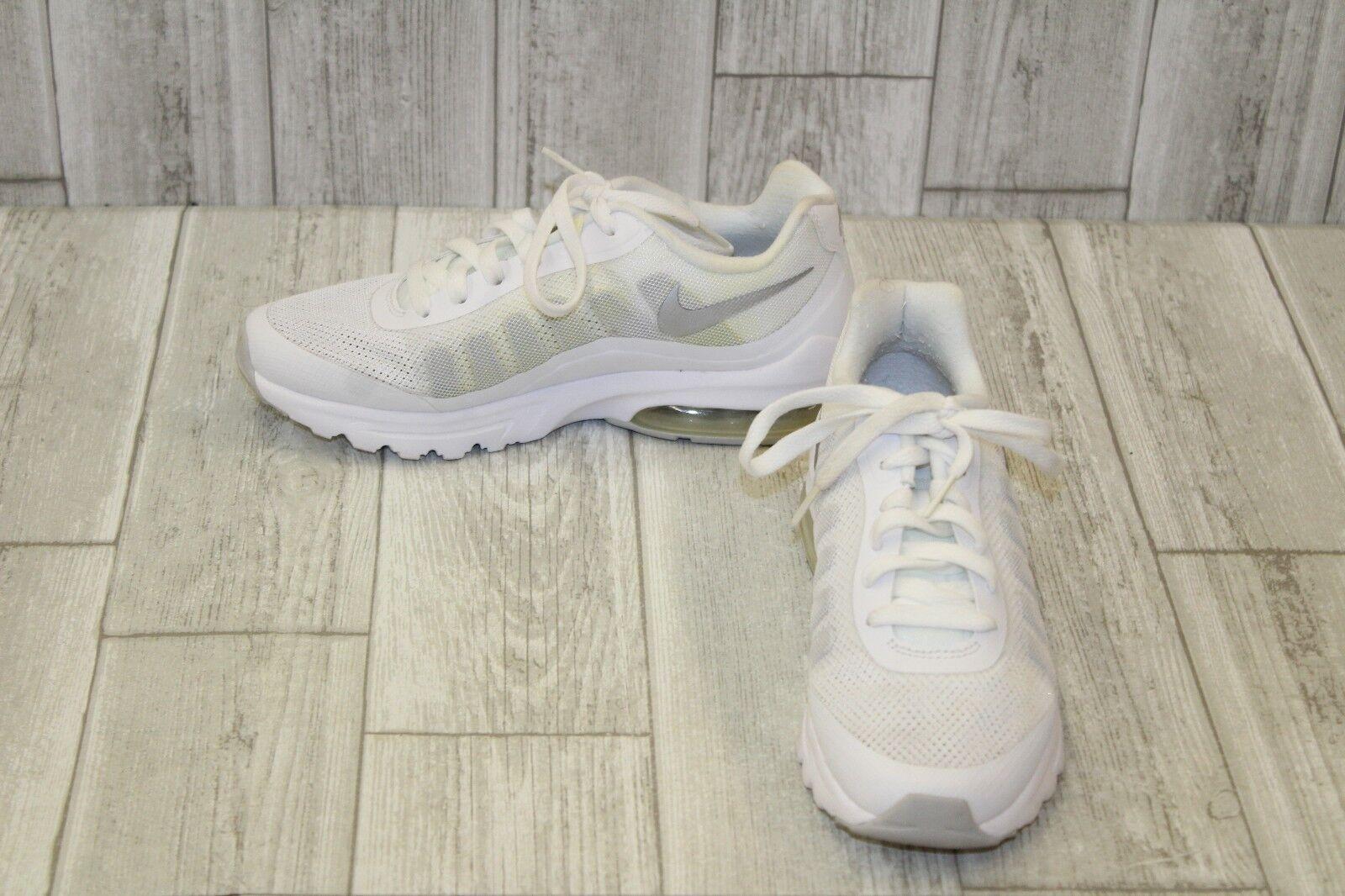 meet 31aa0 b7cc2 Nike Air Max Vigor Sneaker - Women s Size 7.5, 7.5, 7.5, White b168b5