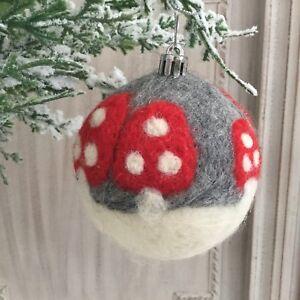 Wool Flying Santa Decoration Gisela Graham Christmas