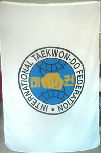 ITF TAEKWONDO TARTARUGA BANDIERE anche Fondatore e ientità