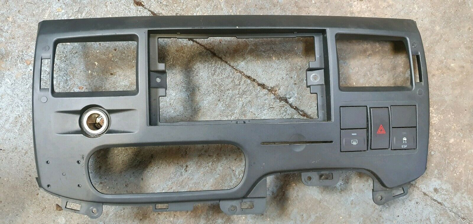 Genuine Ford Front Dash Panel Cover Bracket 1762263