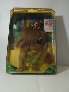 BARBIE-DA-COLLEZIONE-KEN-AS-THE-COWARDLY-LION-DEL-MAGO-DI-OZ-16573-MATTEL-NUOVO