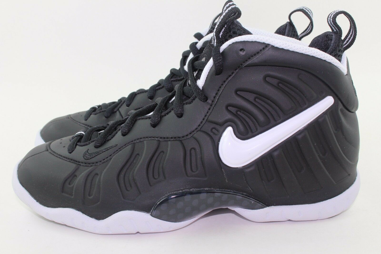 NIKE LITTLE POSITE PRO DR DOOM YOUTH SIZE 5.0 SAME AS WOMAN 6.5 NEW BLACK WHIT