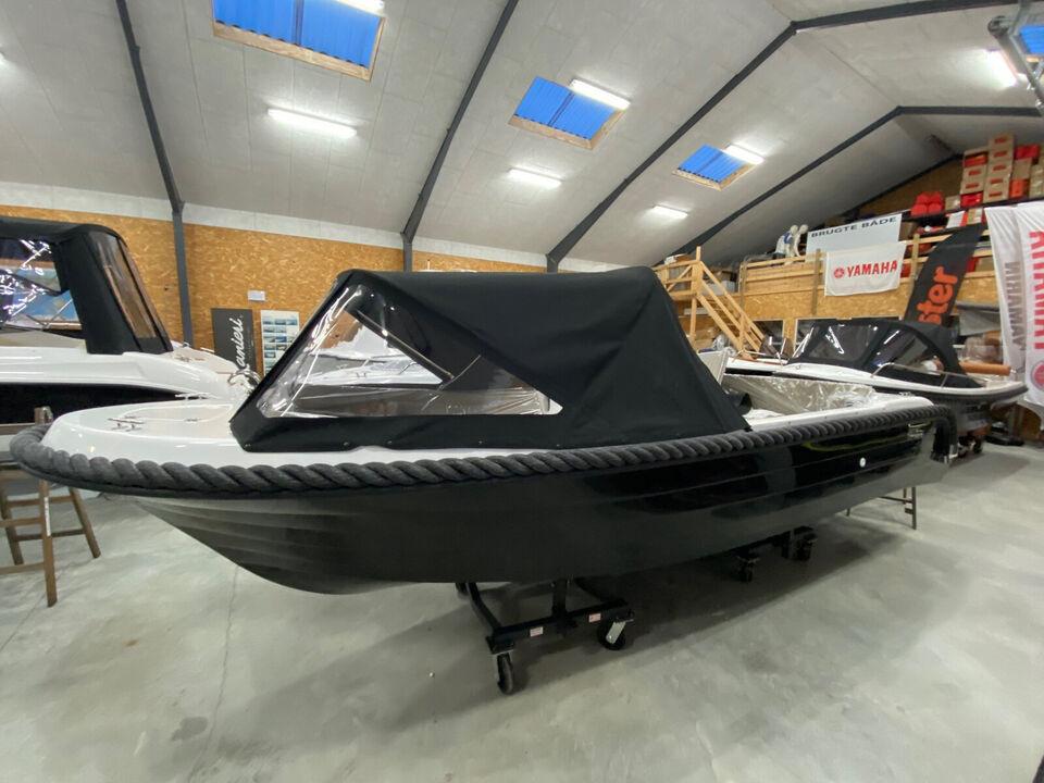 Fjordjollen 530 Classic M. F9,9 sport på lager!