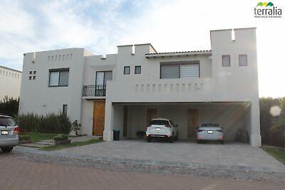 Casa en Venta en Hacienda Campanario 4 recamaras