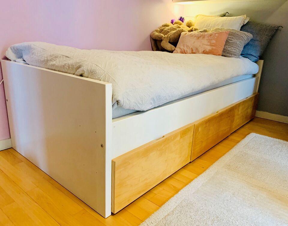 Enkeltseng, IKEA, b: 100 l: 210 h: 60
