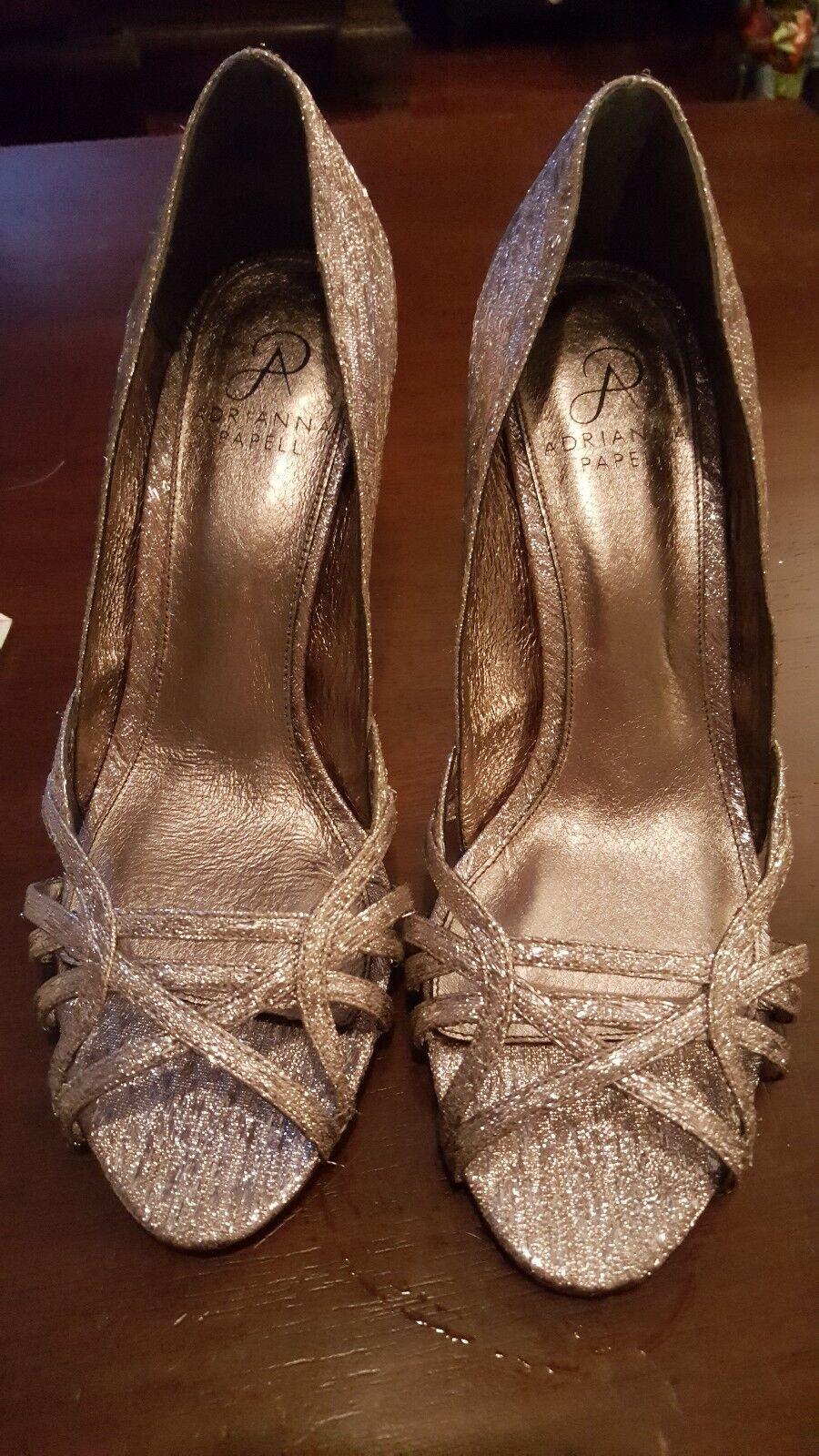 Adrianna Papell Gunmetal Silber Slip on Heels 3.5  Heel Größe 8M NWOB