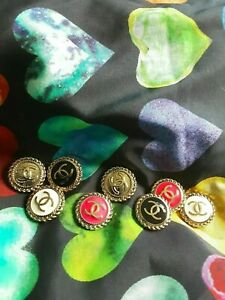 8-Stamped-Vintage-Chanel-Buttons-CC