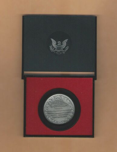Vintage 1973 Major Henry Lee America/'s First Medals Pewter Coin NM