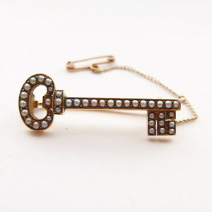 Antique-Victorian-Key-Brooch-18ct-Gold-amp-Pearls-C1890-034-Key-to-My-Heart-034-or-21st
