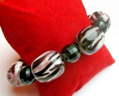 Charmant Bracelet De Perles En Résine Violet Fermoir Argenté Bijou Vintage 5168 Per Produrre Un Effetto Verso Una Visione Chiara