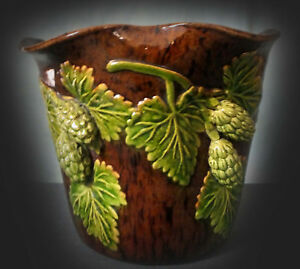 LOVELY EARLY 20th. CENTURY RYE HOP WARE VASE