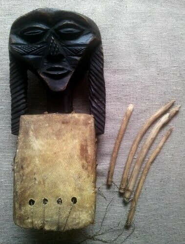 Rare Musical Instrument, hand carved figurative wooden Harp - African Art from Congo DRC