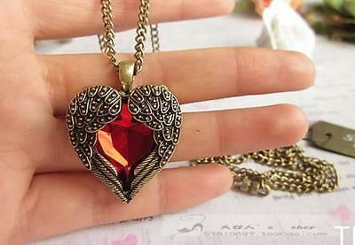 TI AU Vintage Women Red Rhinestone Peach Heart Wing Pendant Necklace Chain