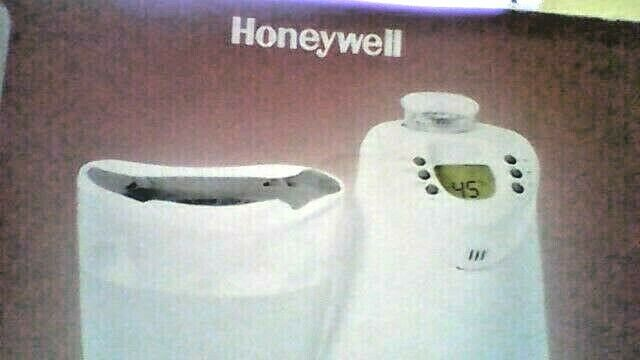 HONEYWELL WARM MIST HUMIDIFIER LCD & WIRELESS REMOTE - 3 GALLON (HWM255)