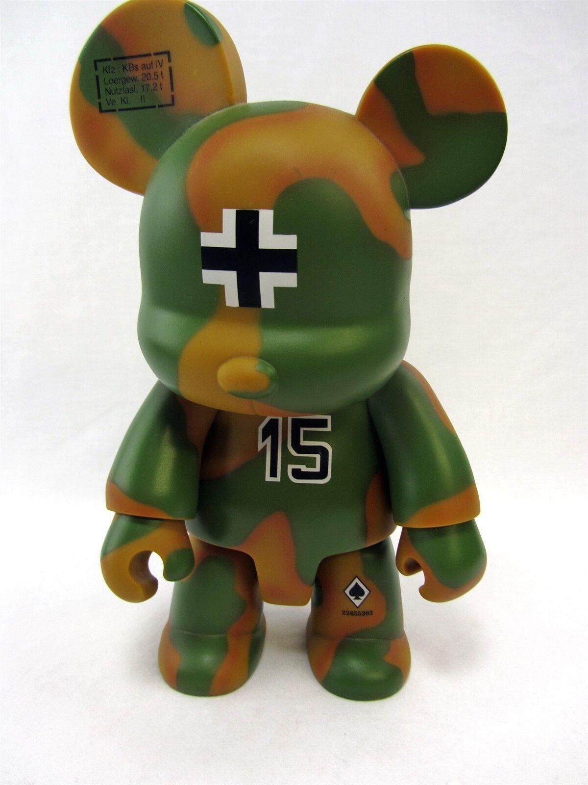 Frank Kozik Qee 8  FRITZ Bear vinyl figure 2008 SDCC Release Toy2R - LOOSE