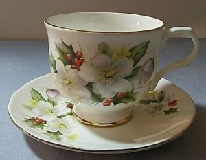 Sadler-Wellington-white-flowers-amp-holly-bone-china-teacup-amp-saucer-set