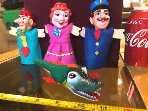 Finger-Puppet-Punch-and-Judy-Vintage-Set-Crocodile-Mother-Toys-Toy-Set