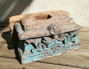 Tres-ancien-socle-base-pour-statue-orientale-en-bois-sculpte-30-cm-de-long