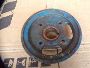 Ford-3000-3-Cylinder-gas-Farm-tractor-crank-shaft-single-pulley