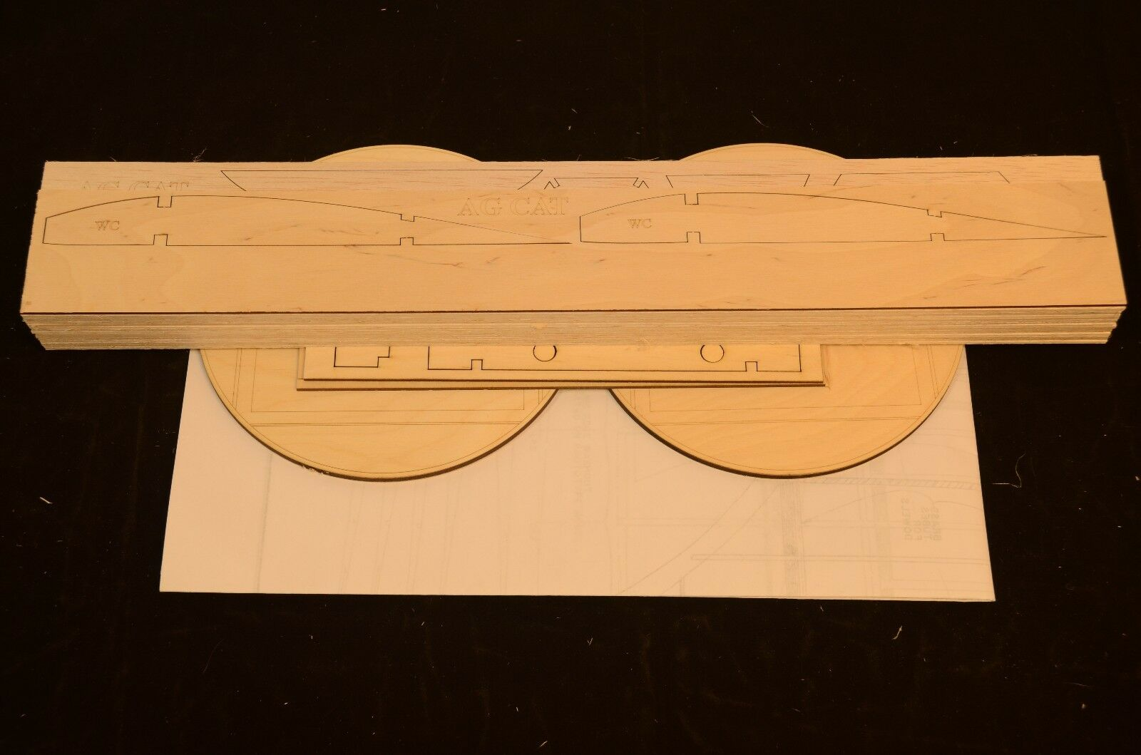 Giant 1 5.5 Scale Grumman AG CAT Laser Cut Short Kit, Plans & Instr 90 in. WS