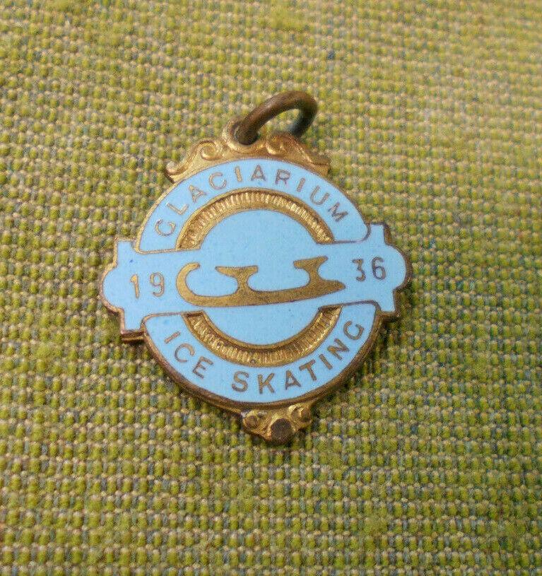 D350. 1936 Glaciarium patinaje sobre hielo insignia del usuario  49
