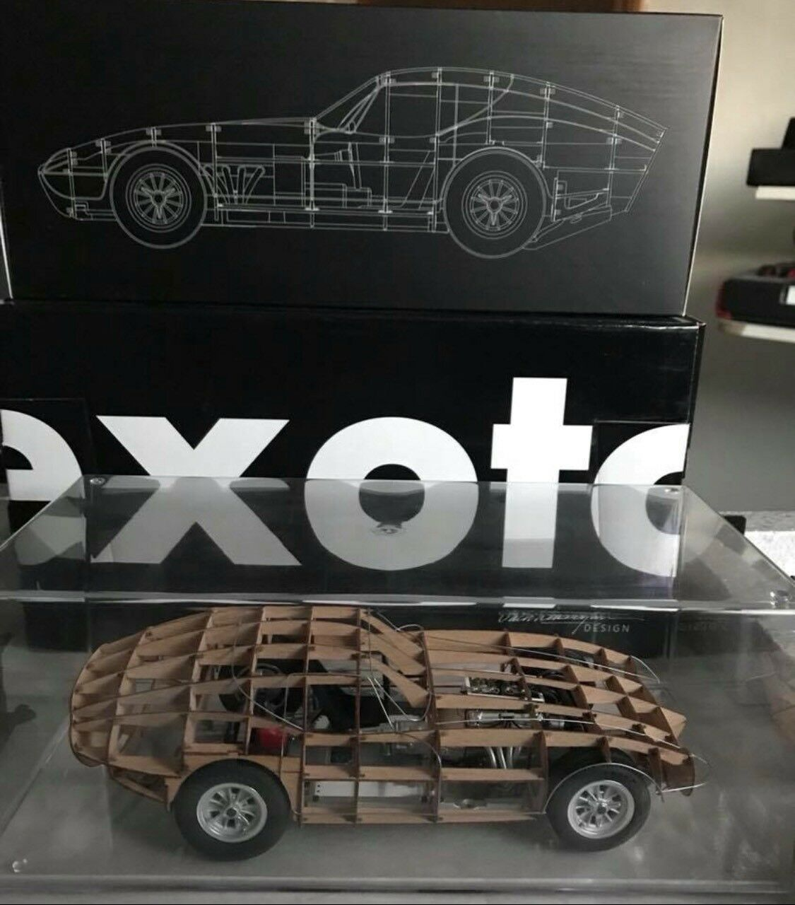 Exoto Racing Legends 1 18th Scale Cobra Daytona Rolling Wood Trellis
