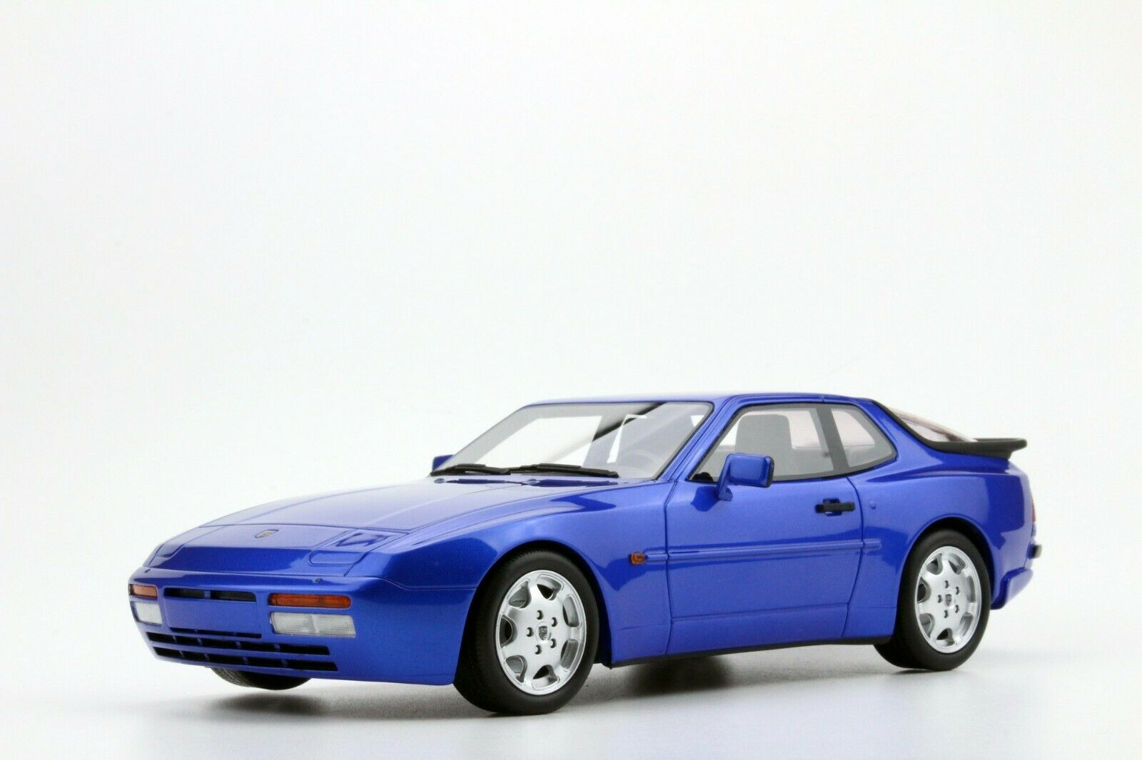 PORSCHE 944 TURBO S 1991 bleu METAL LS-COLLECTIBLES LS023F 1 18 RESINE 100 PIECE