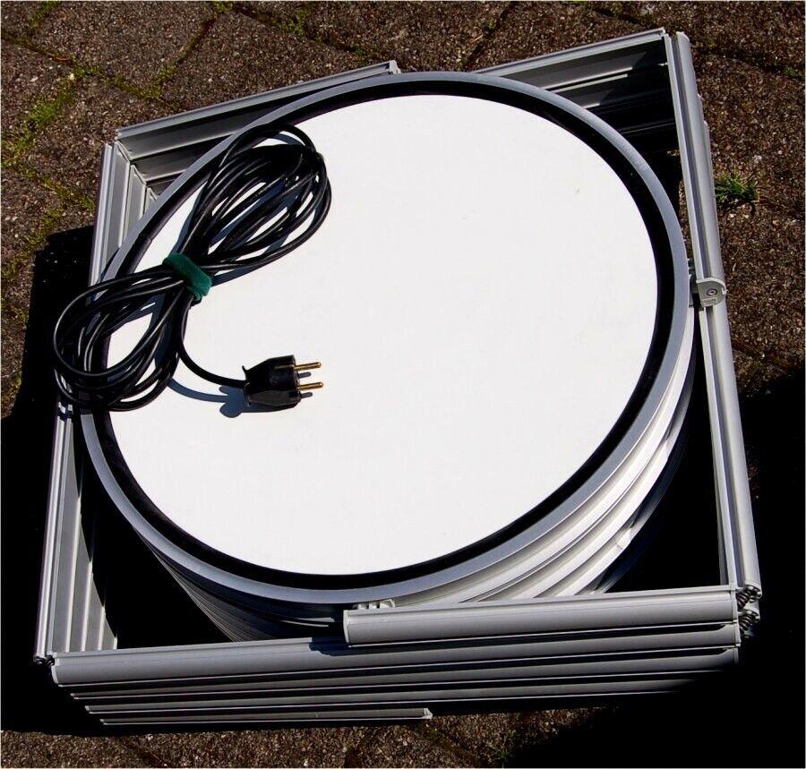 PIROUET montre/reol fra Sodemann udstillingssystem