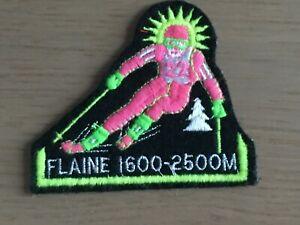 Grand skieur - Ecusson blason brodé Flaine années 70