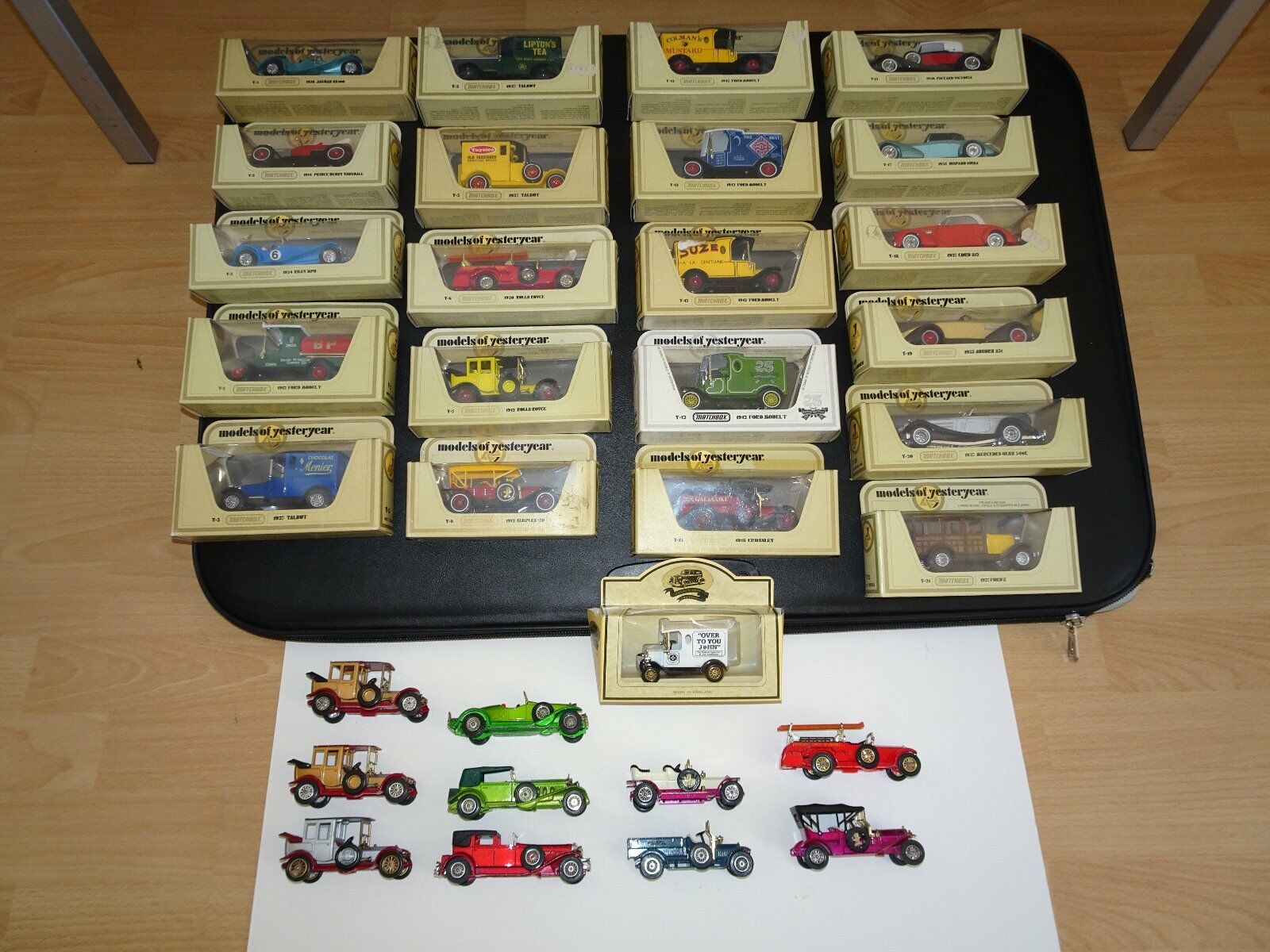 32 MATCHBOX Models OF YESTERYEAR  22 in Scatola, 10 Non in Scatola  deselezionata