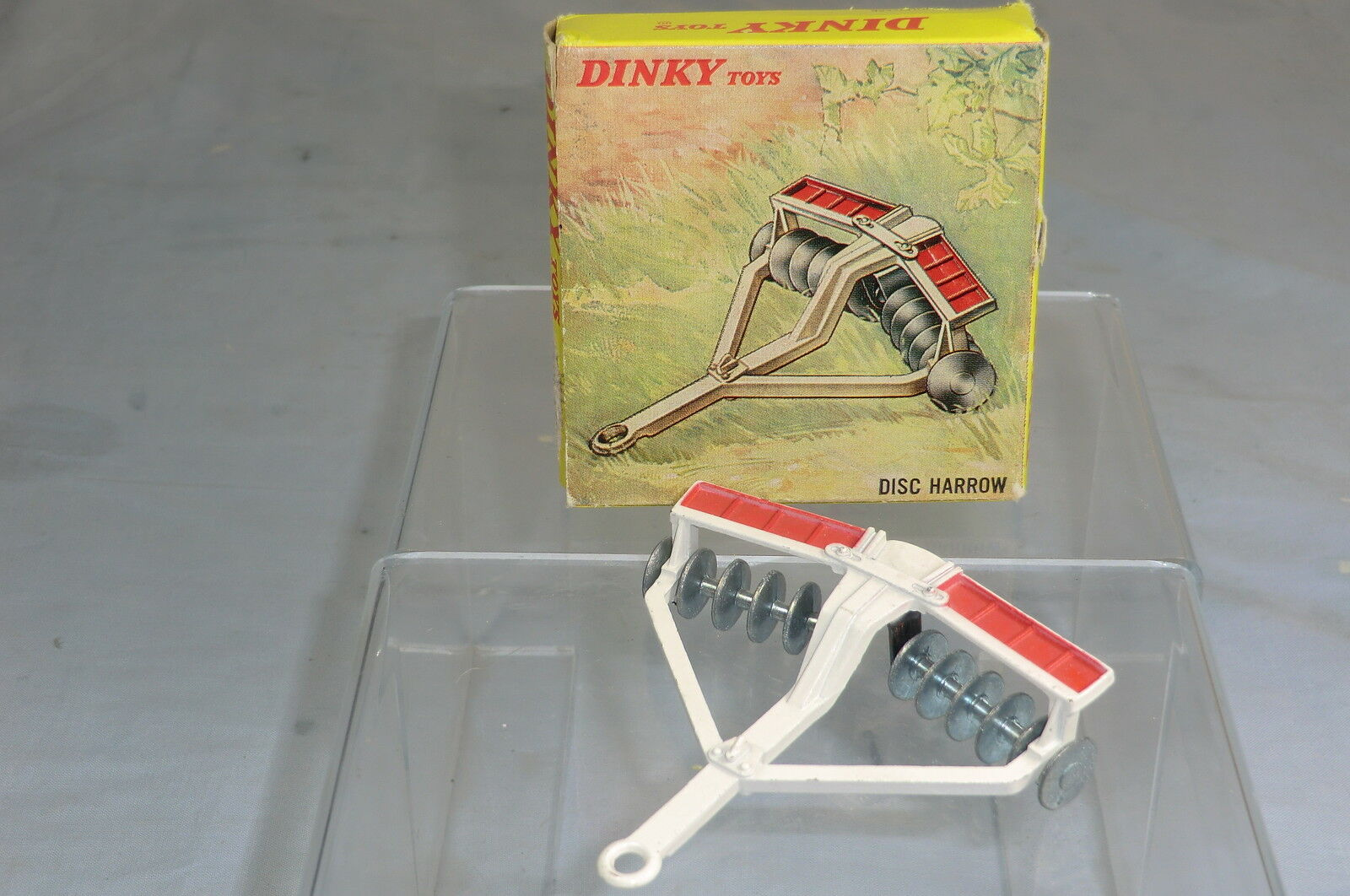 DINKY TOYS MODEL No.322  DISC HARROW   WHITE VERSION      VN  MIB