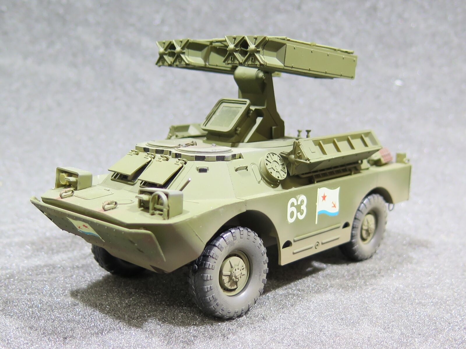 MI0619 1 35 PRO BUILT - Plastic Dragon Soviet SA-9 Gaskin Air Defence System