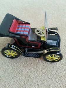 Clockwork-tin-toy-collectable-vintage-Austin-car-gift-wind-up-Endcliffe-tourer