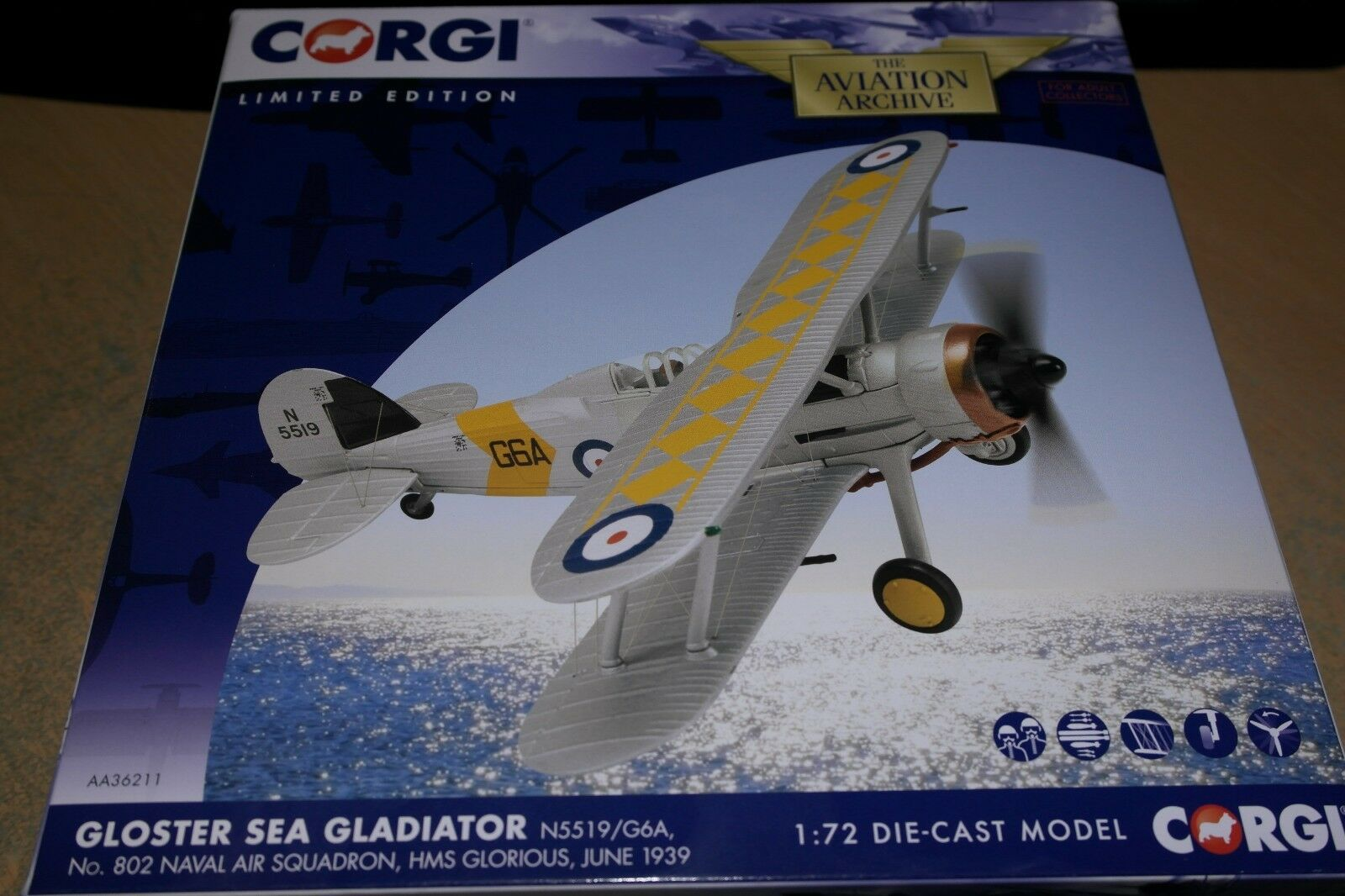 CORGI AVIATION 1 72 GLOSTER SEA GLADIATOR NO 802 NAVAL AIR SQN HMS GLORIOUS 1939