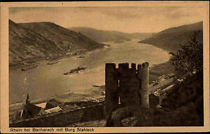 Der-Rhein-bei-Bacharach-alte-s-w-AK-1920-30-Panorama-mit-Burg-Stahleck-Schiffe