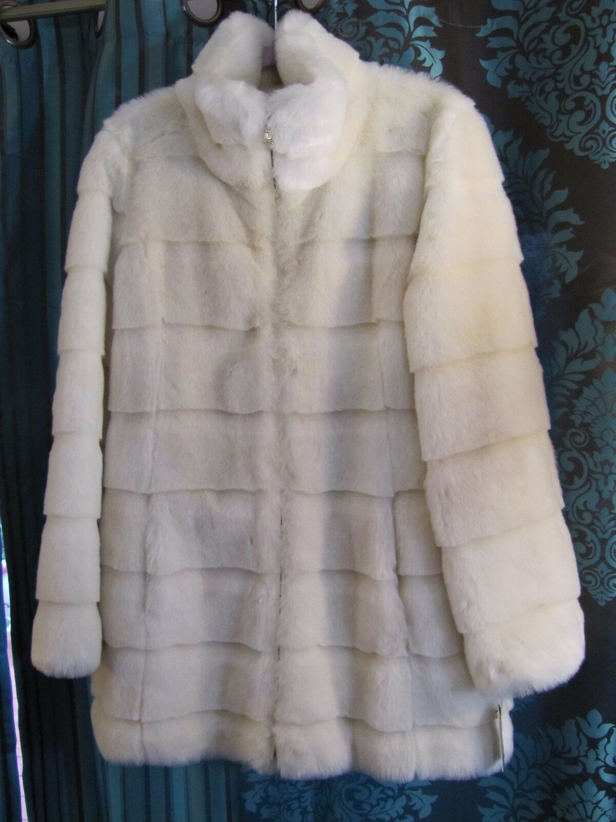 Guess Cream Ladies Faux Size L G Stunning