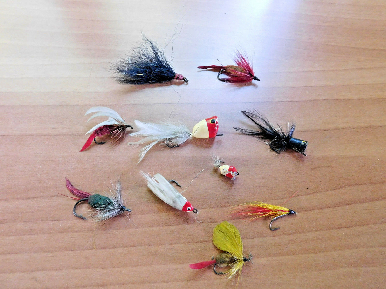 VINTAGE FLY FISHING FLIES BAITS LURES ROD REEL HUM BIRD GLASS EYES POPPER