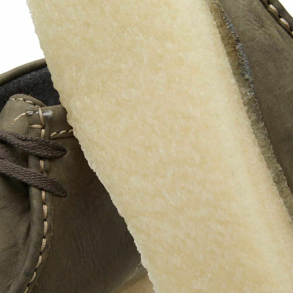 NEW 2015 CLARKS OF ENGLAND LEATHER OLIVE VERDE LEATHER ENGLAND ORIGINAL WALLABEE GUM SOLE 09449 975dc5
