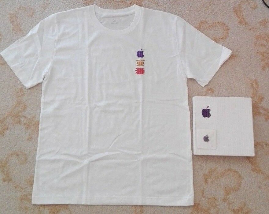 JAPAN Apple Store Kyoto  Open Memorial LIMITED T-shirt SIZE M & Pins & seal RARE