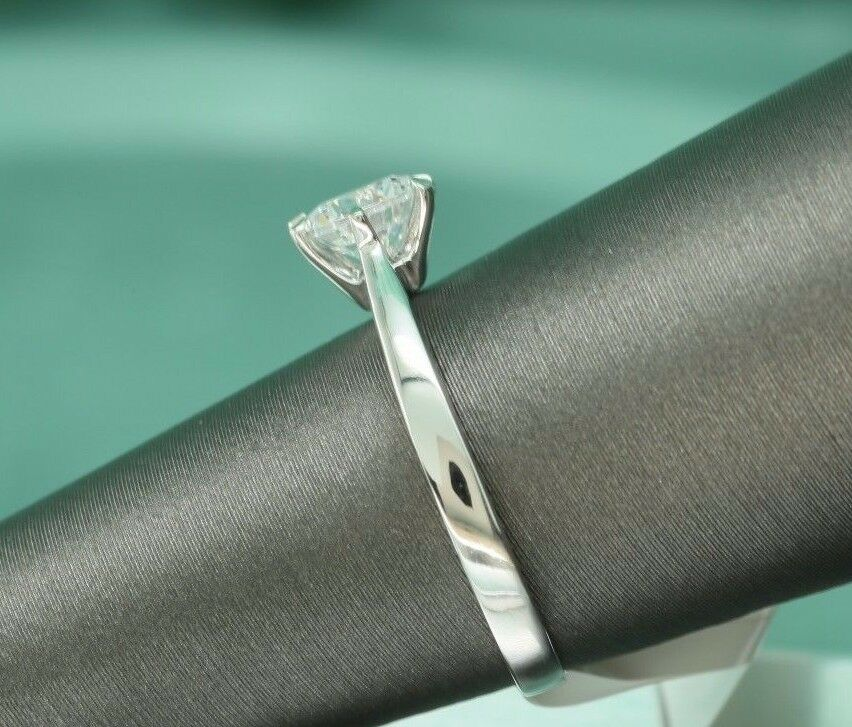 Solitaire Diamond Engagement Ring 0.5ct 14k White gold Toned Round Brilliant Cut