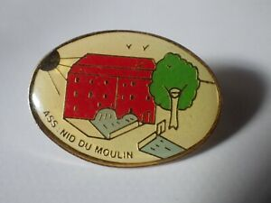 Pin-039-s-Vintage-Collector-Lapel-Pin-Advertising-Ass-Nid-of-The-Mill-Lot-A009