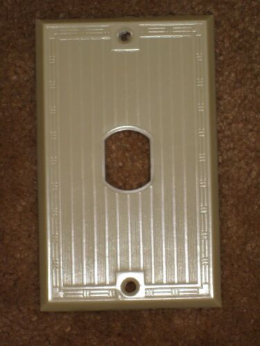 Vintage Early UNILINE BAKELITE Ribbed Despard Single Toggle Switch Wall Plate